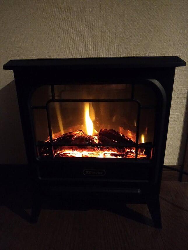 暖炉型ヒーターの炎